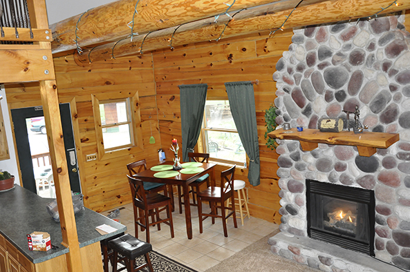 cabin sand cabins bluff rentals dells x wisconsin county of resorts view photo in vacation